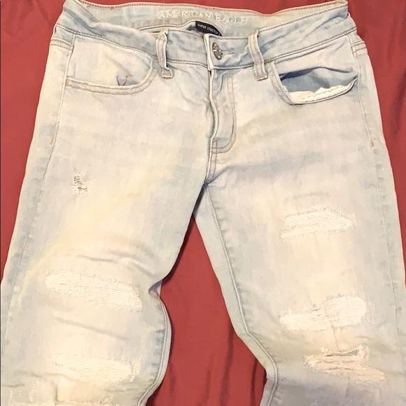 AEO distressed skinny jeans. Size 4-6